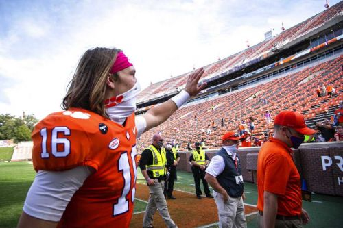 Clemson QB Trevor Lawrence tests positive for COVID-19
