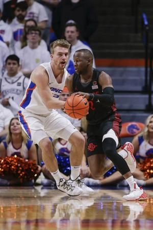 No. 4 SD State beats Boise State 72-55, remains undefeated