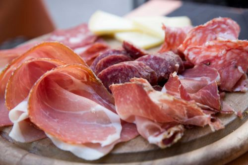 CDC warns of multistate Listeria outbreak linked to deli meats