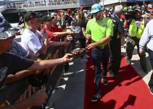 NASCAR's playoffs begin at Las Vegas with SHR out front