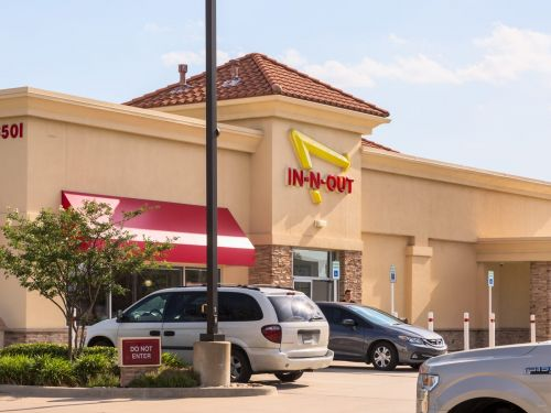 The wait for burgers at Colorado's first In-N-Out locations topped out at over 12 hours