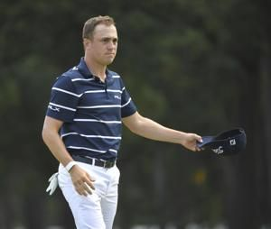 Justin Thomas crushes Medinah with 61 for 6-shot lead
