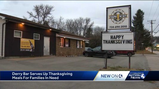 On Thanksgiving eve, bar cooks up 100 holiday meals to give to local residents