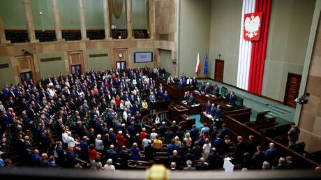 Poland's parliament approves controversial judges to constitutional court