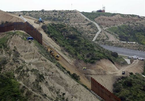 Pentagon lists possible project cuts to pay for border wall