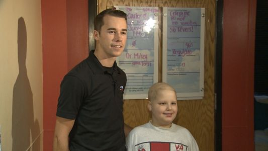 NASCAR truck driver, Louisville native Ben Rhodes visits Norton Children's Hospital