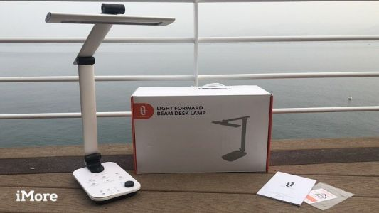 Review: The TaoTronics LED Forward Beam Desk Lamp is fully adjustable