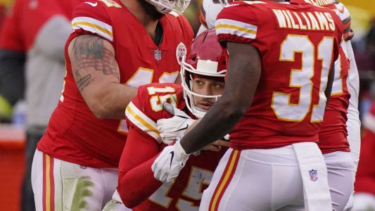 Andy Reid confirms Mahomes in NFL's concussion protocol