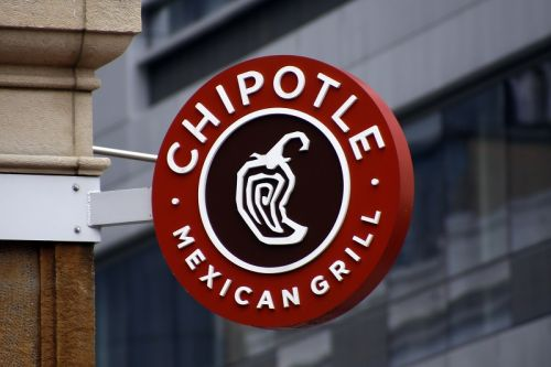 Chipotle to retrain workers after illnesses