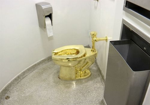 Solid gold toilet artwork stolen from Winston Churchill's birthplace