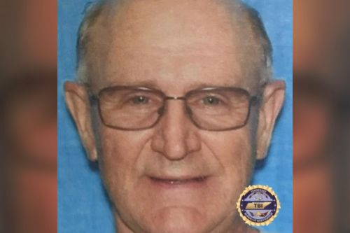 'Dangerous' 70-year-old man sought in double slaying at Tennessee lake