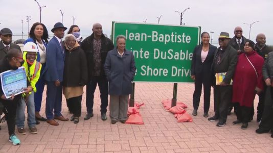 Road signs for newly renamed DuSable Lake Shore Drive unveiled