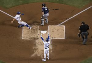 Brewers, Dodgers tied after 9 innings in NLCS Game 4