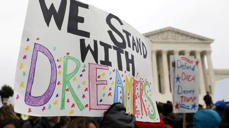 Federal judge orders Trump administration to accept new DACA applicants