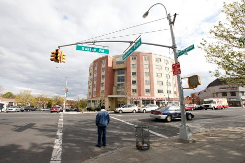 NYC coronavirus hot spots to get more tests, PPE ahead of reopening