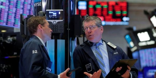 US stocks close mixed as tech surge battles against industrial sell-off