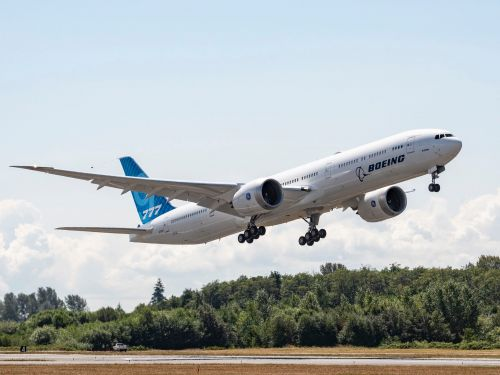Boeing posts fourth straight quarterly loss and tells staff to prepare for more job cuts