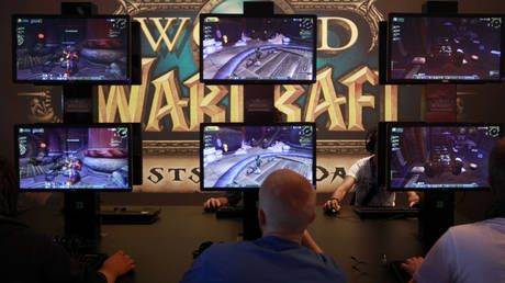 'World of Warcraft' down, forcing gamers out of the basement and onto Twitter