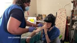 Nurses vaccinate isolated residents in their homes