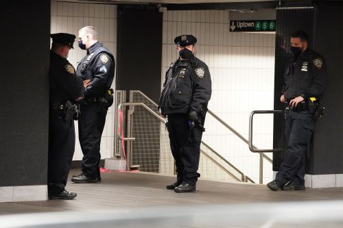 De Blasio vows 'visible' NYPD boost in subway stations amid crime spike