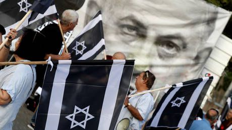 Thousands of Israelis protest immunity bill that would shield Netanyahu from indictment