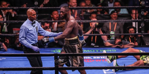 Deontay Wilder knocks out Dominic Breazeale in round 1, sends violent message to Anthony Joshua