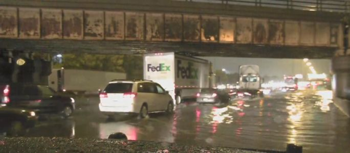 Heavy rains causing flooding on roadways across Chicago area