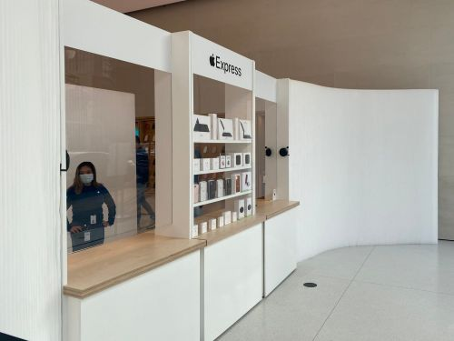 Apple is expanding its new 'Express' stores for the iPhone 12 launch and holiday shopping - see what's it's like to shop at one