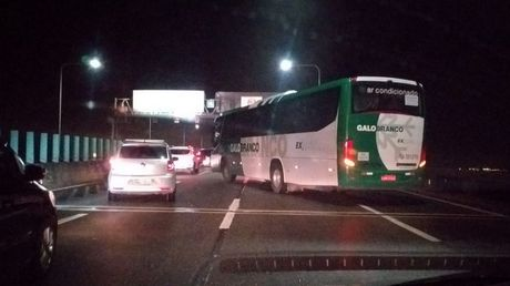 Bus passengers held hostage as vehicle hijacked on bridge in Brazil