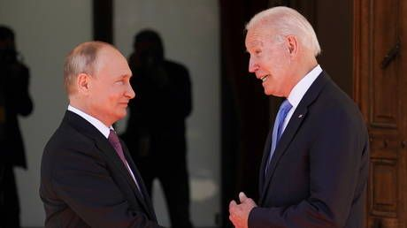 'I hope our meeting will be productive': Putin & Biden share handshake, photo-op and optimistic words before high-stakes summit