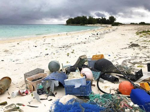 Study: 1 to 2 million tons of US plastic trash go astray