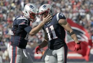 Brady, Patriots defense shine in 30-14 win over Jets