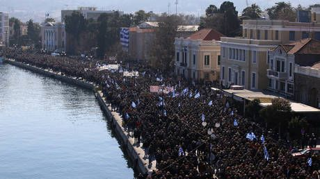 Greek islanders strike for 2nd day over new migrant camps as govt sees 'no alternative'