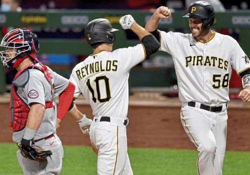 Sixth-inning implosion dooms Pirates in nightcap vs. Cardinals