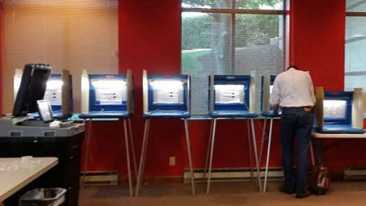 Federal judge in Wisconsin strikes early-voting restrictions