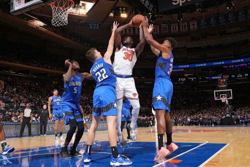 Knicks stunned by lowly Magic for first loss of season