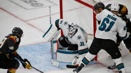 Martin Jones makes monster save to secure win for San Jose Sharks