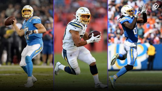 Week 14 DraftKings Picks: Best lineup stacks for NFL DFS tournaments, cash games
