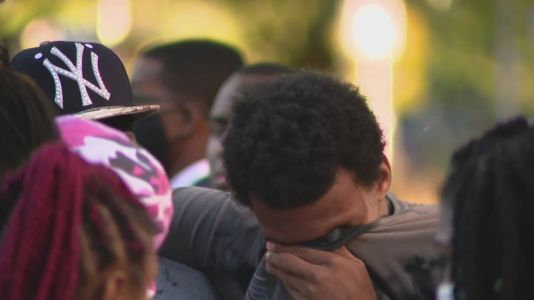 'I want mercy on Chicago': Vigil held after 4 people killed, 4 wounded in Englewood massacre