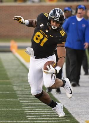Missouri bounces back to throttle Memphis 65-33