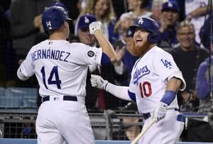 Hernandez hits grand slam in Dodgers' 9-0 rout of Giants