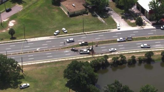 2 dead, 1 injured in serious crash in Orlando, police say
