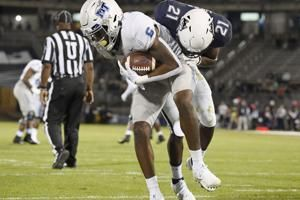 Middle Tennessee breaks away from UConn in 2nd half, 44-13