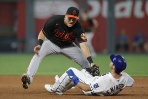 Lopez drives in four runs, Royals roll past Orioles 9-2