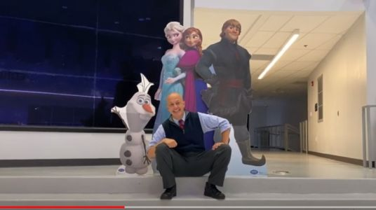 WATCH: Kentucky superintendent lip syncs 'Frozen' song to welcome students back