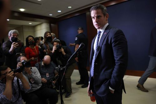 Kinzinger on McCarthy's Jan. 6 investigation threat: 'Who gives a s--?'