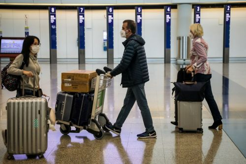 The American Airlines flight attendant union is calling on US airlines to step up precautions for the deadly Wuhan coronavirus