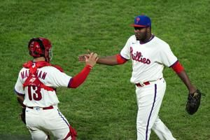 Neris, Eflin among 5 to reach deals with Phillies
