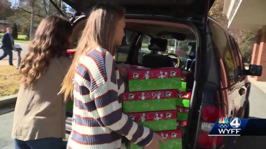 SWU students pack Christmas boxes for children in need around the world