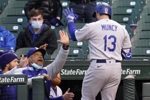 Rizzo hits winning single in 11th, Cubs beat Dodgers 6-5